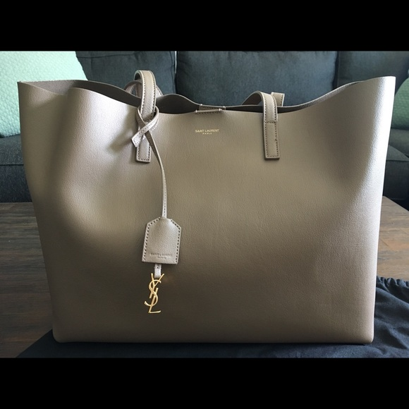 957ec24c89 Saint Laurent Taupe Leather Shopper Tote Bag. M 5ae38a8750687c1cb96d6693